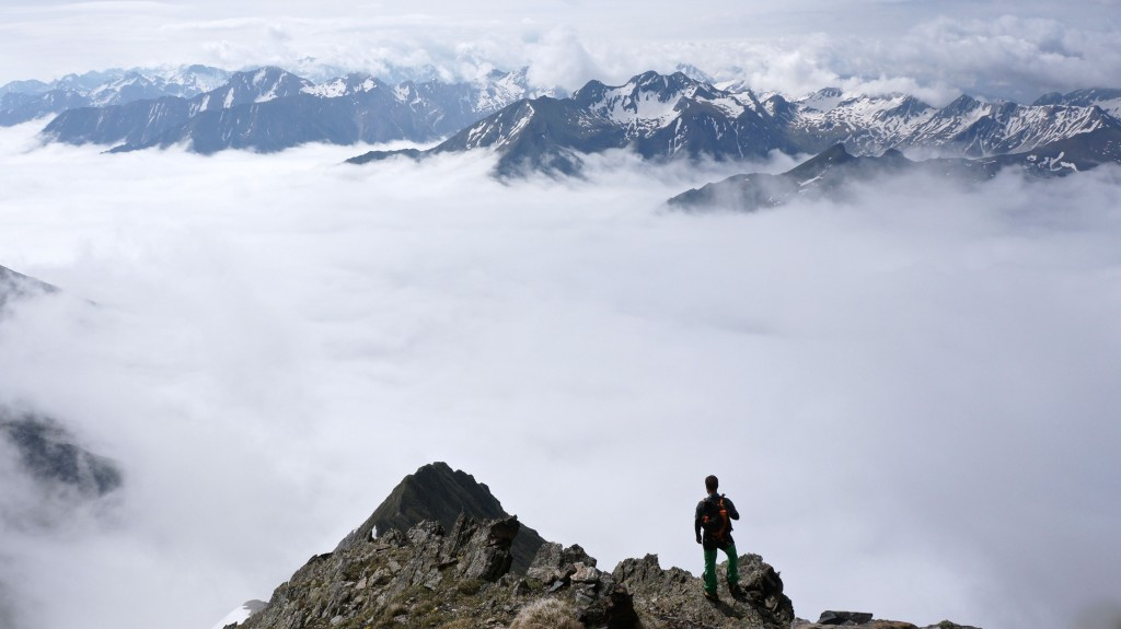Mer de nuages à 2000 mètres