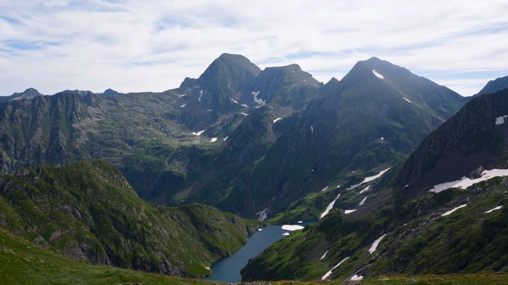 Etang Long et Mont Valier aux abords du port de Barlonguère