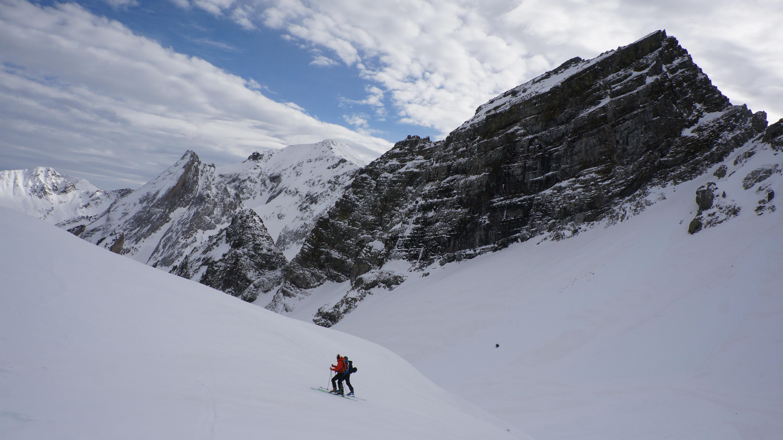 Tuca de Betren (2518 m) depuis l'entrée N du tunnel de Vielha