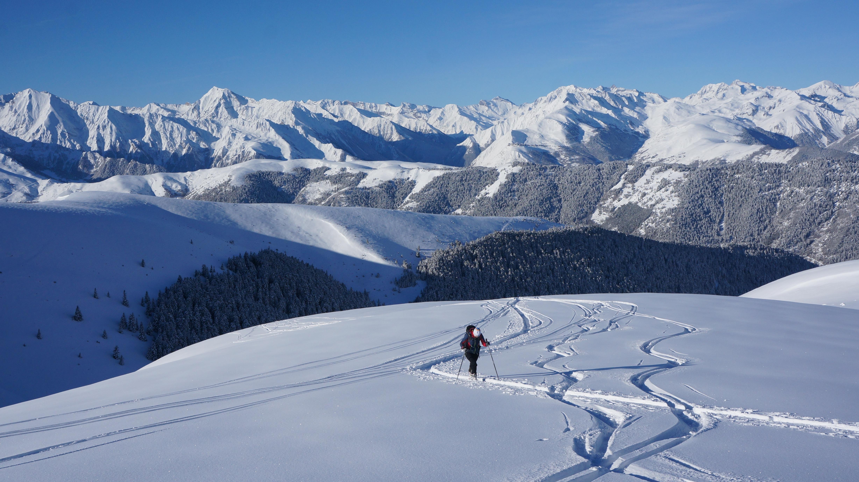 Sommet de Pouy-Louby (2091 m) – Sommet de l'Aigle (2078 m) – Cap de Tuquet (1844 m) depuis Cazaux dessus