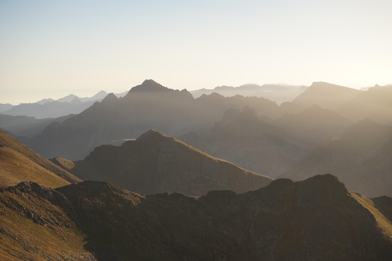 Pic de la Portaneille (2755 m) – Pic de Ransol (2733 m) depuis le pla de las Peyres