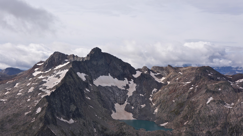 Turon de Néouvielle (3035 m) – Pic des 3 Conseillers (3039 m) depuis Cap de Long