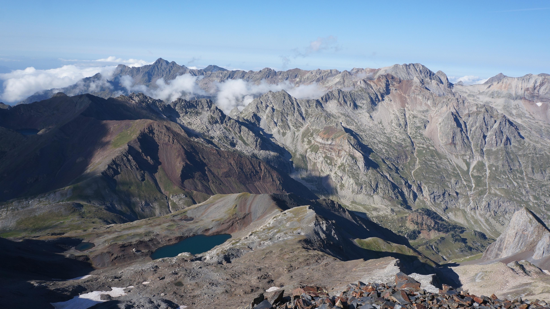Pic de Bardamina (3079 m) – Pic de la Paúl (3078 m) – Pic des Vétérans (3125 m) – Pic des Jumeaux Ravier (3160 m) depuis Viados