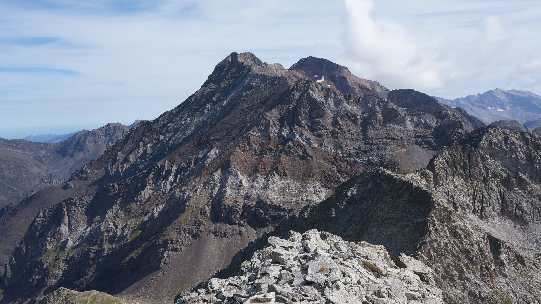 Pics d'Eriste (3025 m – 3053 m – 3045 m) depuis Viados