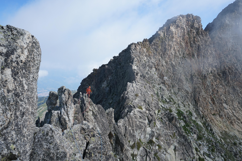 Pic du Canigou (2784 m) par l'arête Quazémi (AD-) par le refuge de Mariailles