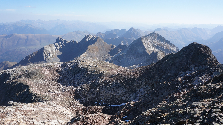 Mail Barrat (2986 m) – Mail Planet (2942 m) – Pic Fouillouse (2789 m) depuis l'auberge du Lis