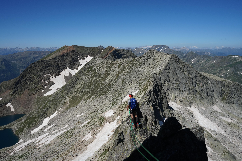 Pic de Montabone (2788 m) par l'arête de Bonrepos (AD-) depuis Ossèse