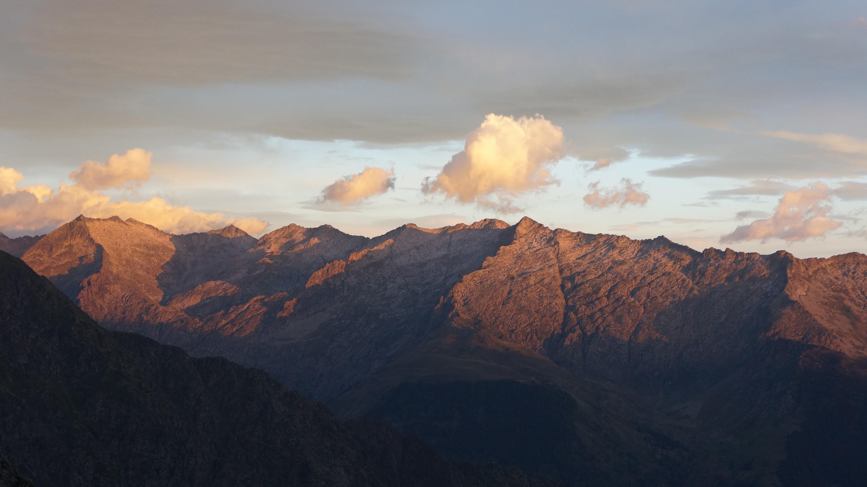 Le Picot (2707 m) depuis le barrage de Soulcem