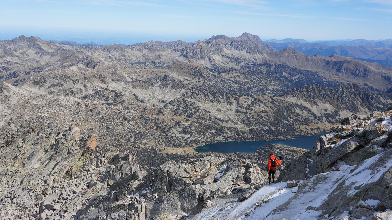 Pic de Néouvielle (3091 m) depuis le lac d'Aubert
