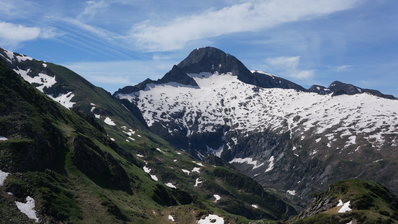 Du pic de Midi de Bordes (1762 m) au cap d'Anternac (2361 m) depuis le pla de la Lau