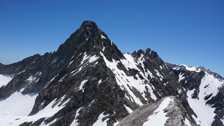 De la Pale de Crabounouse (3021m) au Pic Long (3192 m) depuis les granges de Budéraous