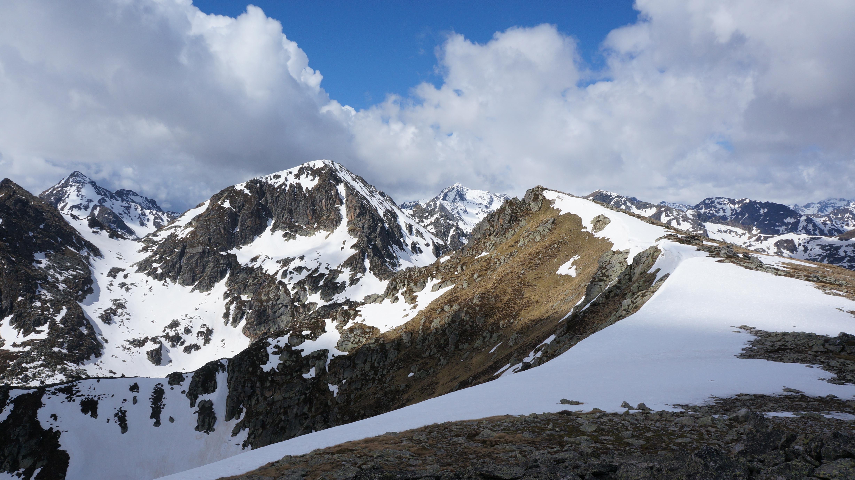Pic de Mille Roques (2464m) – Pic du Pas du Chien (2491m) depuis le barrage de Riète