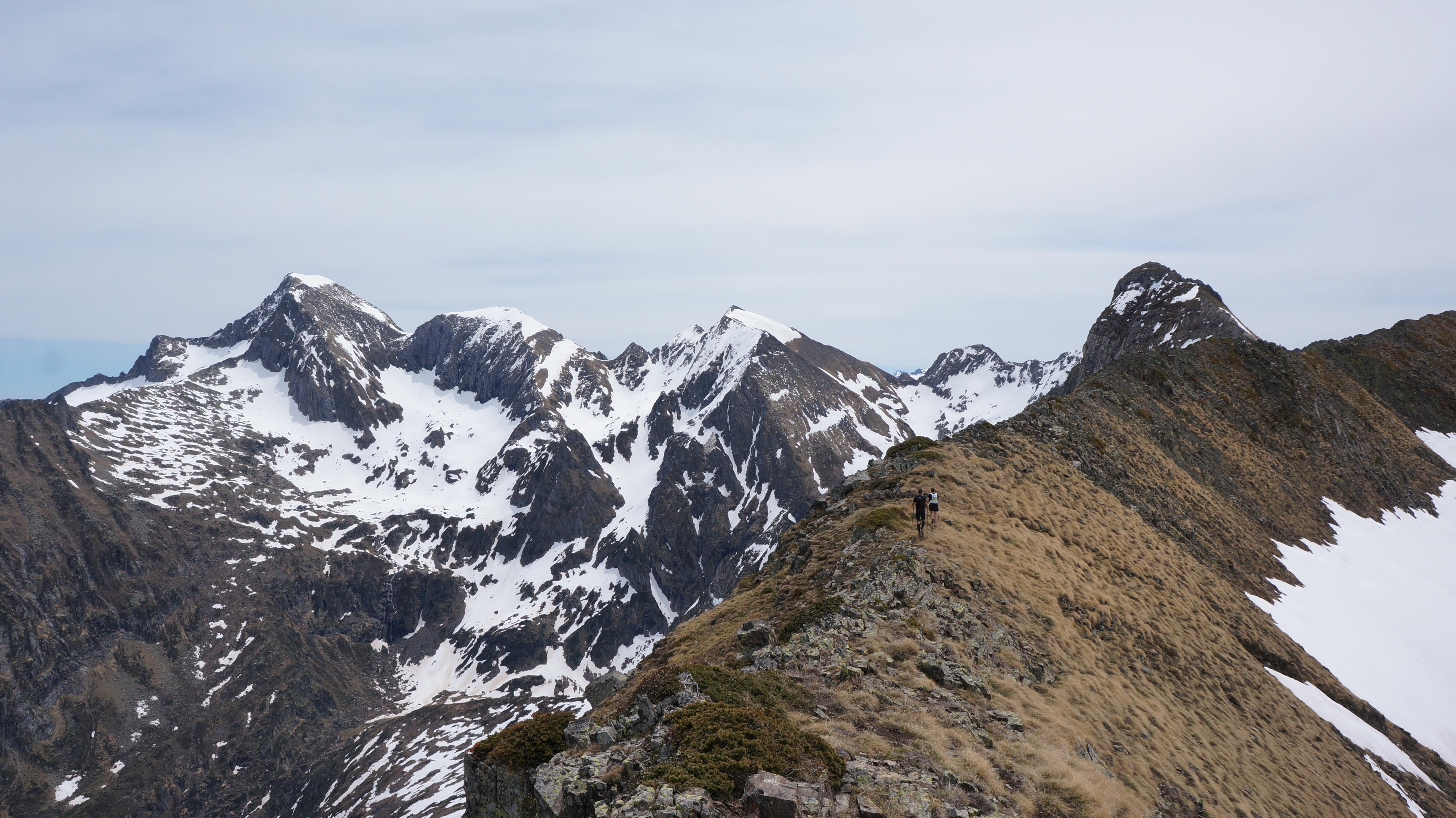 Pic Renoué (2517 m) – Tuc des Hèches (2585 m) depuis le pla de la Lau