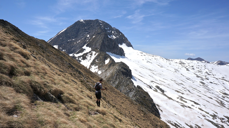 Pic de Lampau (2543 m) – Pic de Pomebrunet (2596 m) depuis le col de la Core
