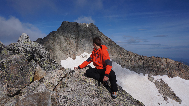 Pic de Néouvielle (3091 m) – Ramougn (3011 m) depuis le lac d'Aubert