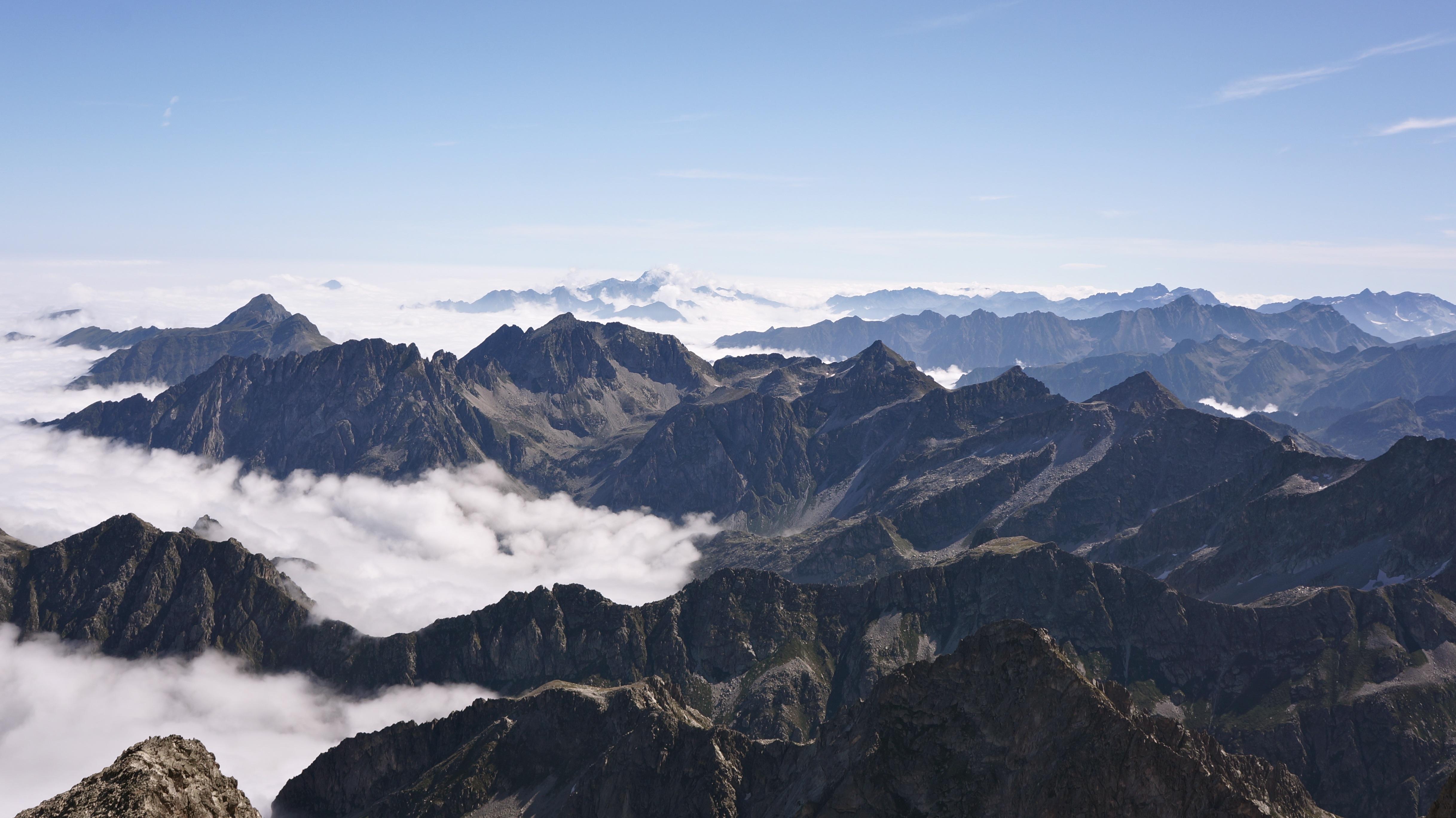 Balaïtous (3144 m) par la Grande Diagonale depuis la centrale de Migouélou