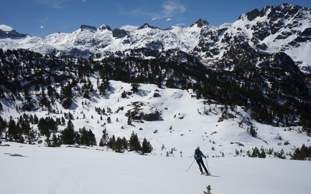Tuc Gran de Sendrosa (2703 m) depuis la route des banhs de Tredòs