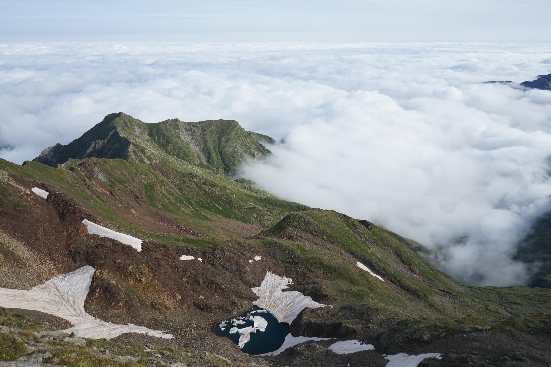 Pic de Barlonguère (2802 m) – Pic de Cornave (2756 m) – Tuc de Pourtillou (2427 m) depuis le pla de la Lau