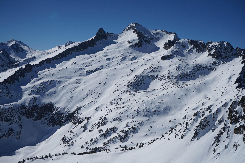 Pic de Madamète (2657 m) depuis le parking de Tournaboup