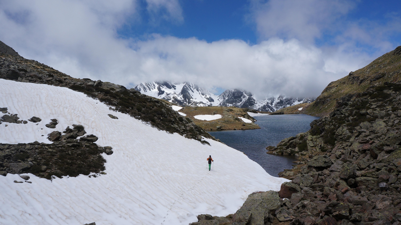 Pic de Malcaras (2865 m) – Pic de l'Etang Fourcat (2859 m) depuis le barrage de Soulcem
