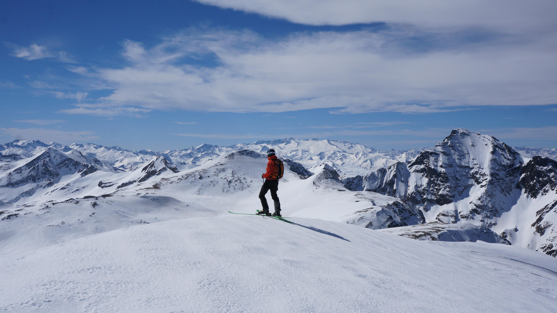 Mail de Bulard (2750 m) – Pic de l'Homme (2713 m) depuis le pla de Beret