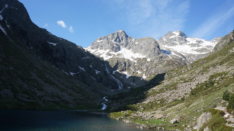 Pic d'Estom Soubiran (2829 m) – Pic de Labas (2946 m) – Pic de la Sède (2976 m) – Petit Vignemale (3032 m) depuis la Fruitière